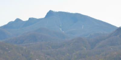 鼻曲山 - 青空に誘われる山の旅