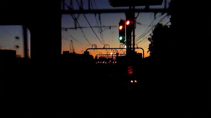 朝焼けの中、広野へ〓