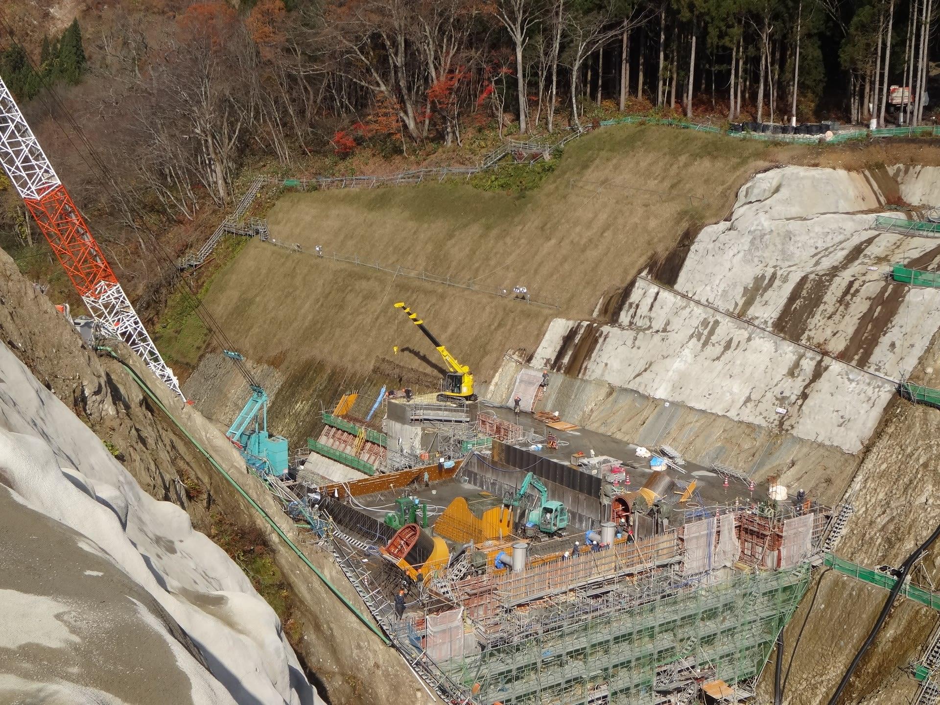 工事進む最上小国川穴あきダム