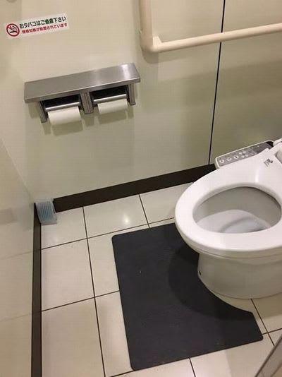 感染を防ぐ抗菌グッズNeoPlus抗菌トイレマット口コミ評判業務用トイレ用品ノロ、インフル対策に効果的お手入れ簡単交換不要