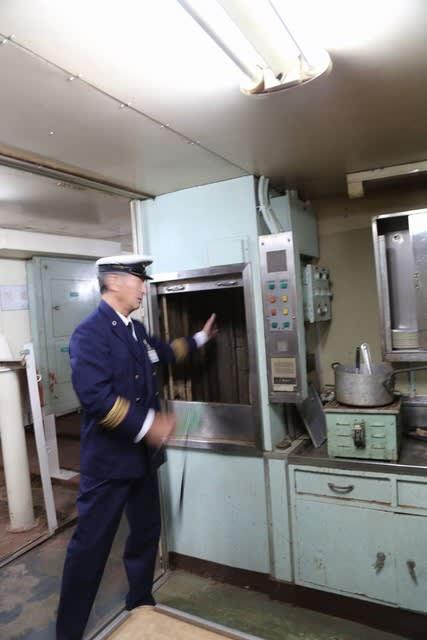 青函連絡船「八甲田丸」乗組員の一番の楽しみは、食事 - 青い森の贈り物