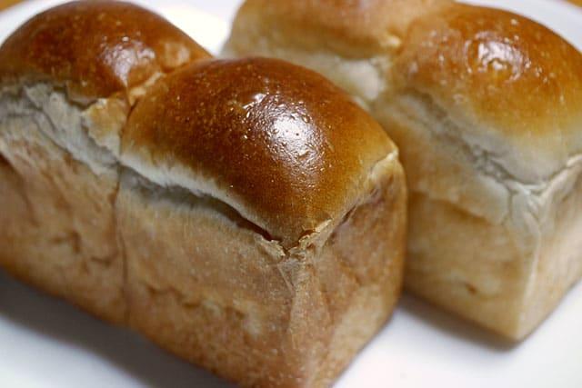 ブログ記事とは無関係の掌サイズの食パン