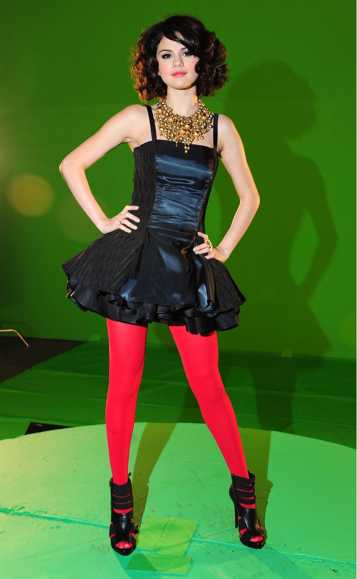 Selena Gomez - Music Video Photoshoot 2009 (2) - ☆Favorite ...