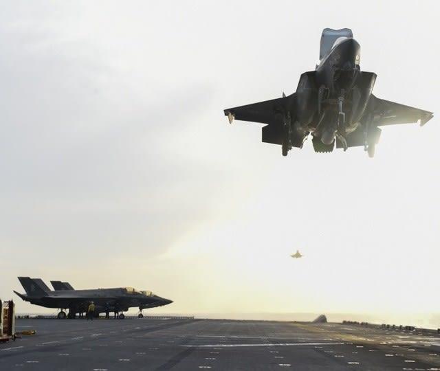 武漢ウィルス,米国,中国,ロシア,軍事的緊張,中国軍,空母遼寧,南シナ海,強襲揚陸艦アメリカ,USSバンカーヒル,オスプレイ,F35B,INDOPACOM,