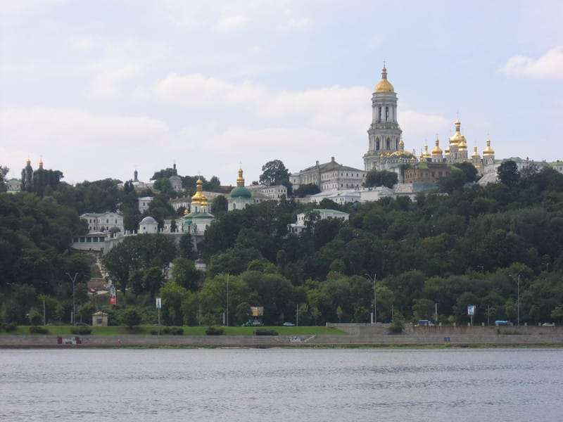 20050815_pechersk_lavra_seen_from_r