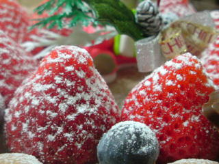 美味しそうなイチゴとブルーベリー