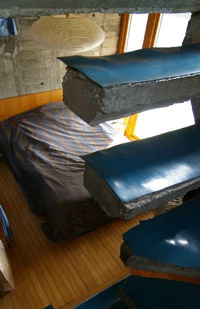 階段からみた主寝室スペース