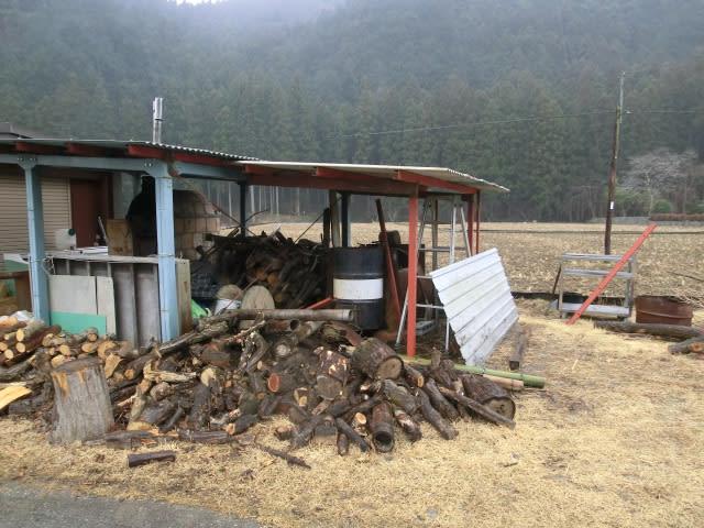 炭窯・屋根