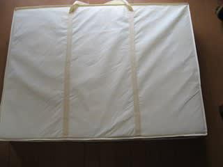 無印良品の掛けふとん用収納で布団もスッキリ片付きます