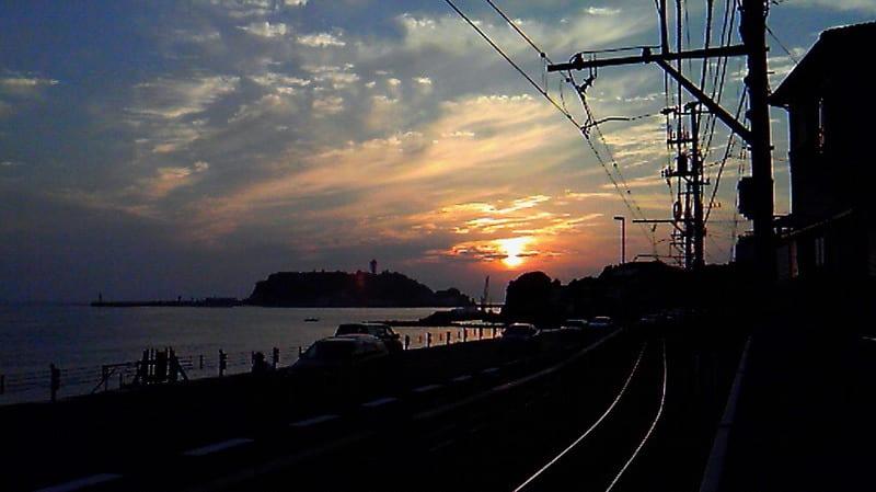 江ノ島に沈む陽