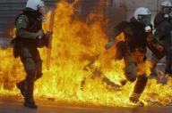2011 10 21 ギリシャ議会が緊縮財政法案の全条項可決、大規模デモ続く【岩水・ロイター記事保管】